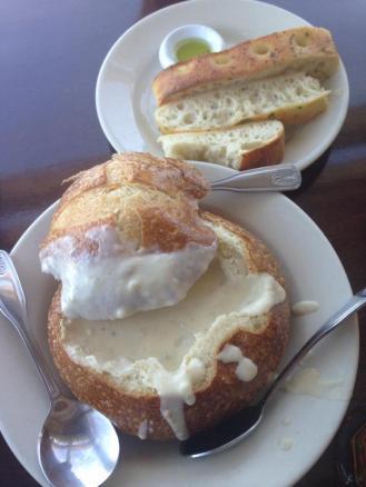 clam chowder nhà hàng Pier 39, ngon nhất trong số những nơi đã ăn