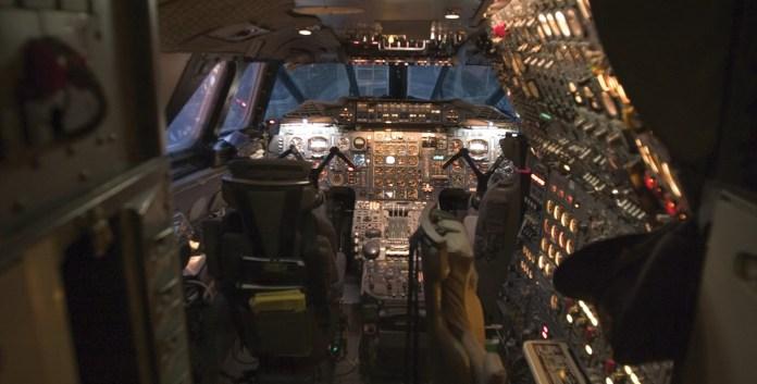 tmof-concorde-cockpit-p2